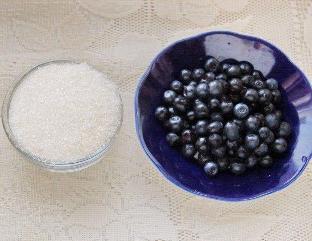 Ингредиенты для черники протёртой сахаром